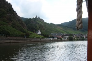 Ho hum scenery on the Mosel. Site near present location